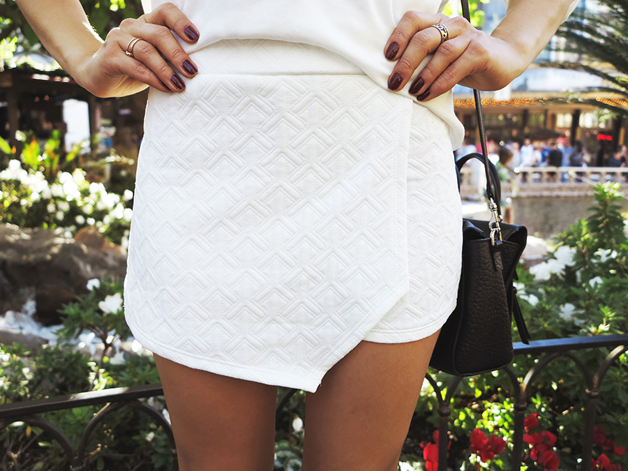all white 02