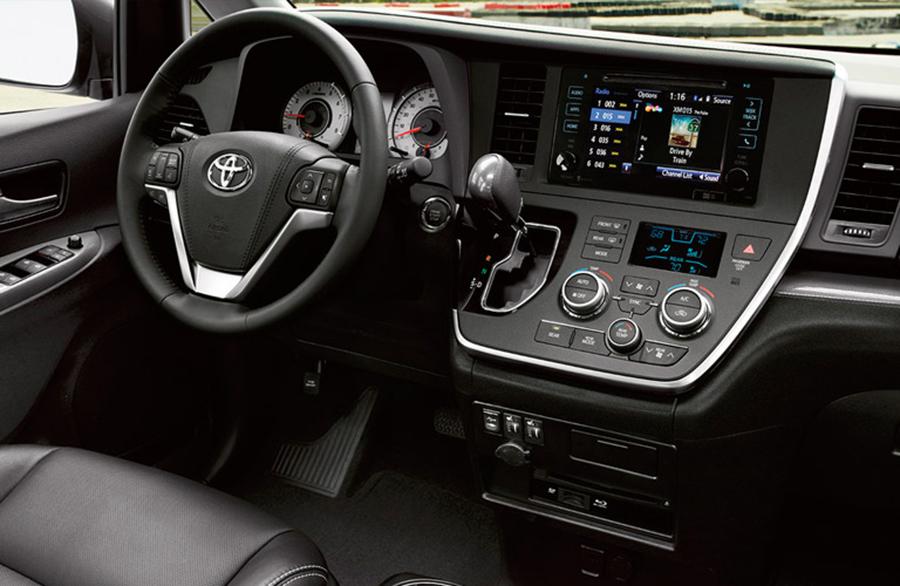2016-Toyota-Sienna-B
